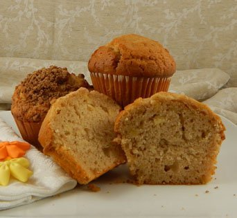 BNJUM 6.25 oz. Apple Cinnamon Muffins - Cut Open Image