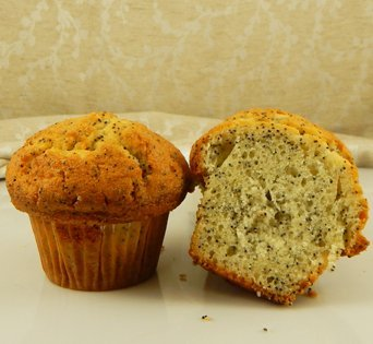 BNJUM 4.5 oz. Lemon Poppy Muffins - Cut Open Image